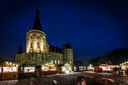Romantischer Weihnachtsmarkt.Langerwehe Romantischer Weihnachtsmarkt Auf Schloss Merode Busreisen